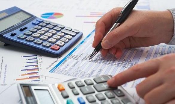 Membuat perancangan bajet kewangan